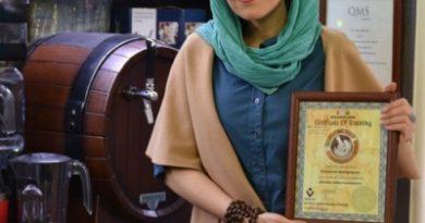 روشنک ناطقی پور