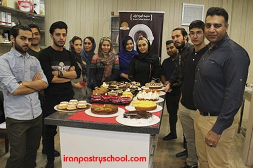 اولین دوره تخصصی کیک های کافی شاپی در مدرسه شیرینی ایران